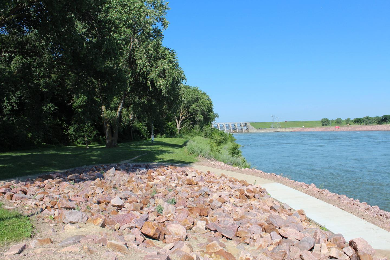 Trail along Missouri River