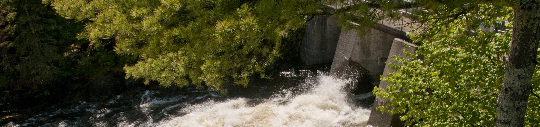 Water flows through the Kettle Falls Dam