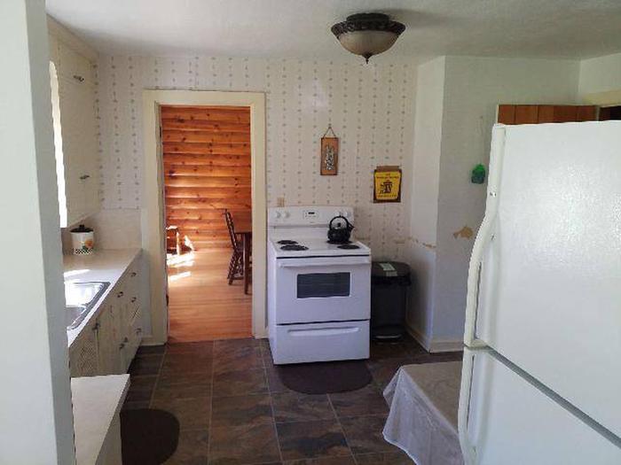 Sunlight Ranger Cabin - Kitchen