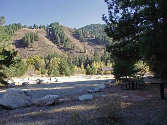 Your campsite has a picnic table, BBQ stand with gravel parking in the pines with mountain views,hiking, biking, horseback riding, off-road vehicles, rafting, swimming, fishing nearby.Elks Flat Site #2