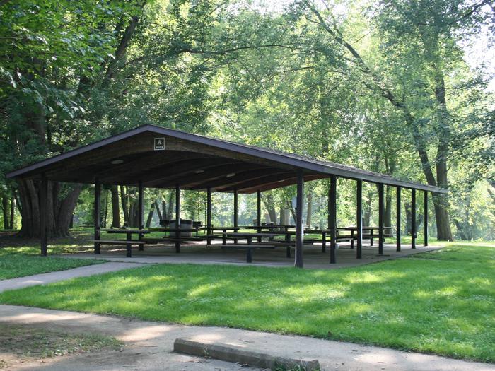 G02 - River Group Picnic Shelter