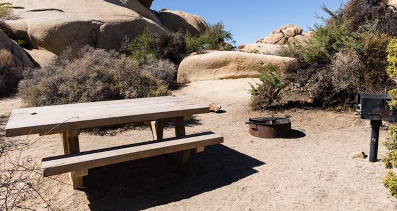 Jumbo Rocks site 4View of campsite