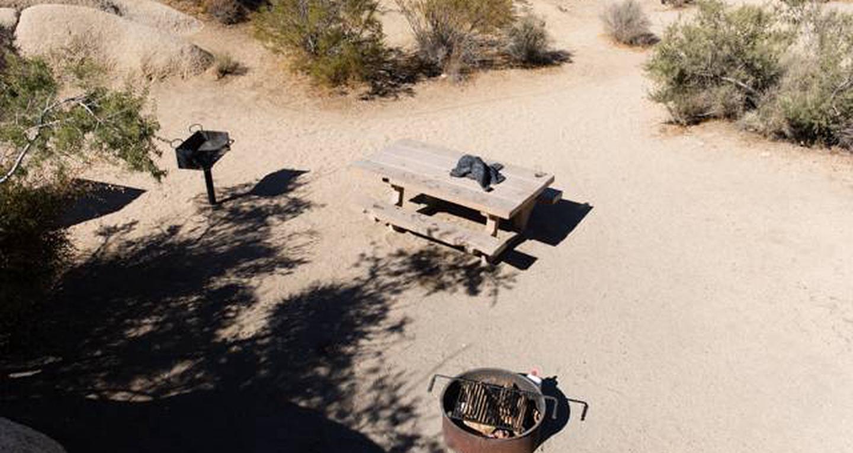 Jumbo Rocks site 18View of campsite