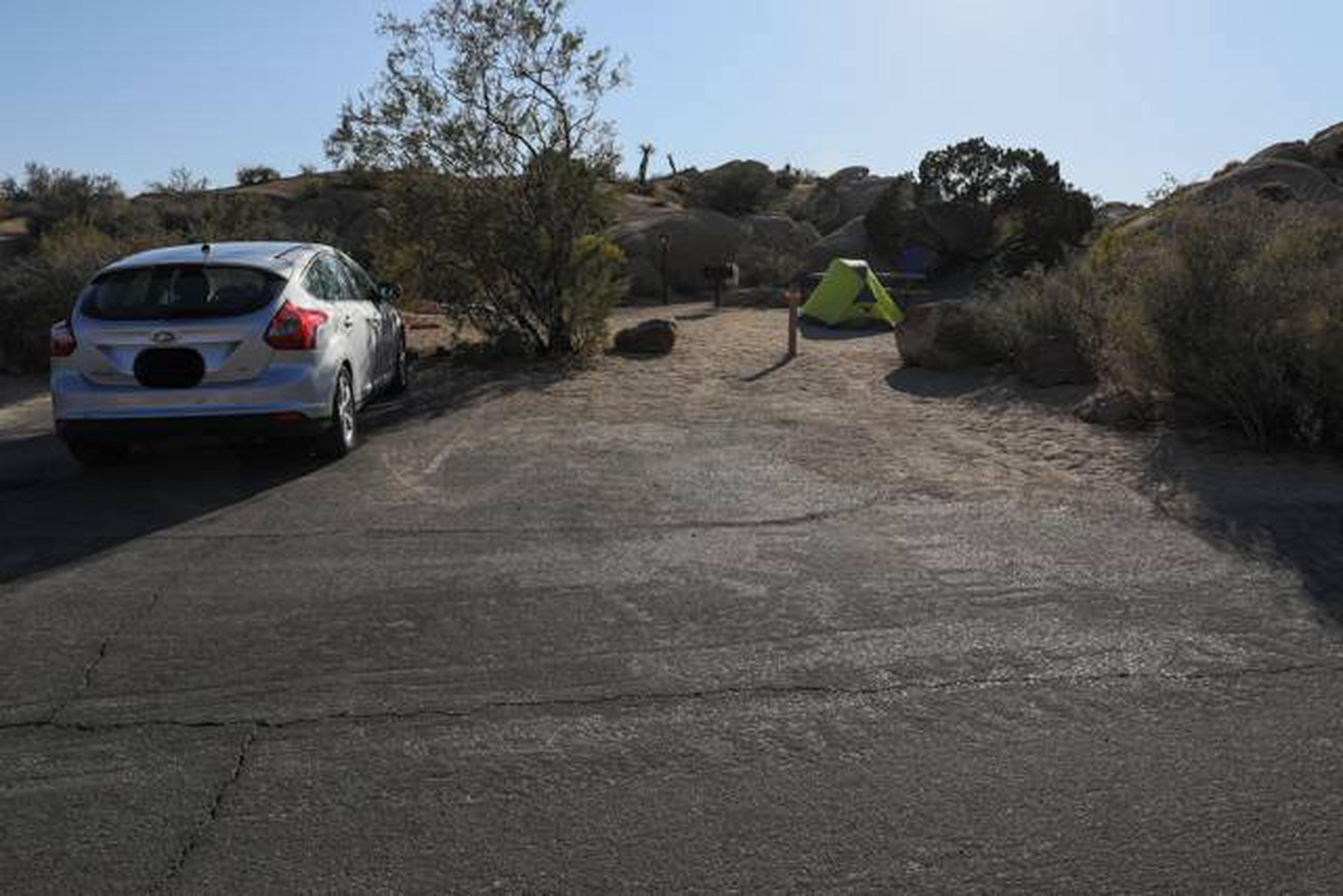 Jumbo Rocks site 27Parking space for campsite