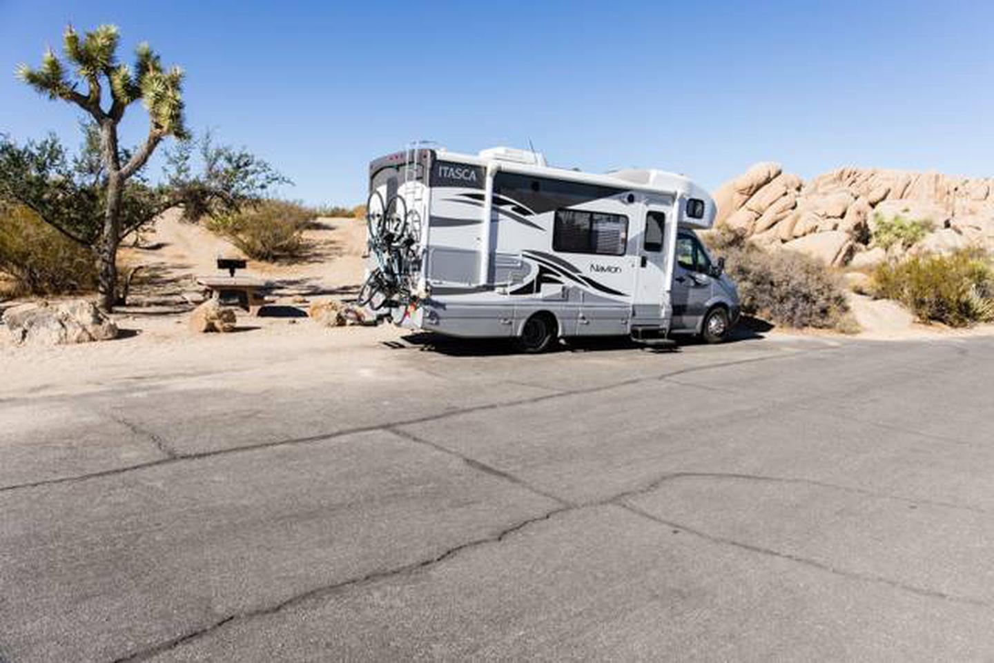 Jumbo Rocks site 35Parking space for campsite