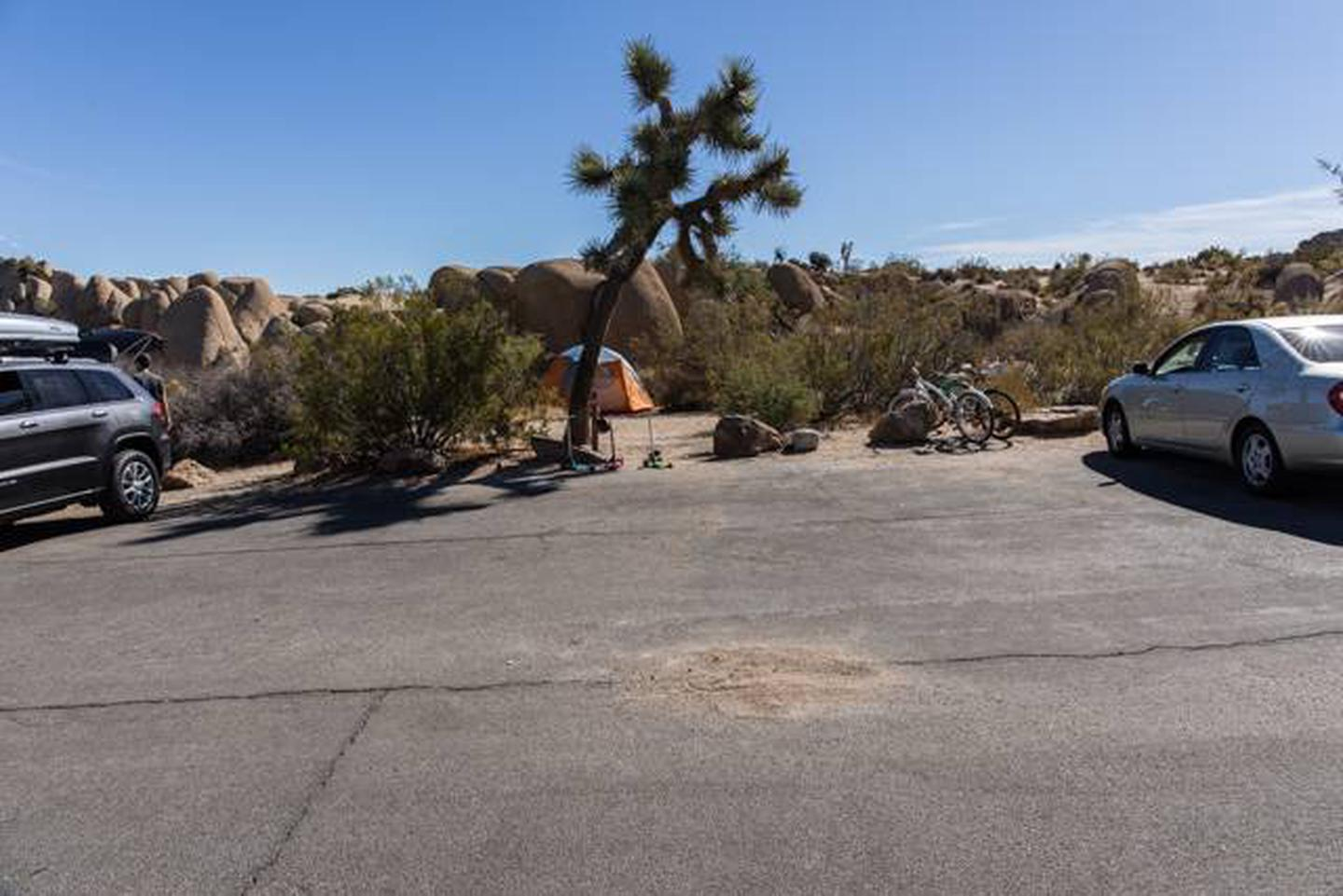 Jumbo Rocks site 63Parking space for campsite