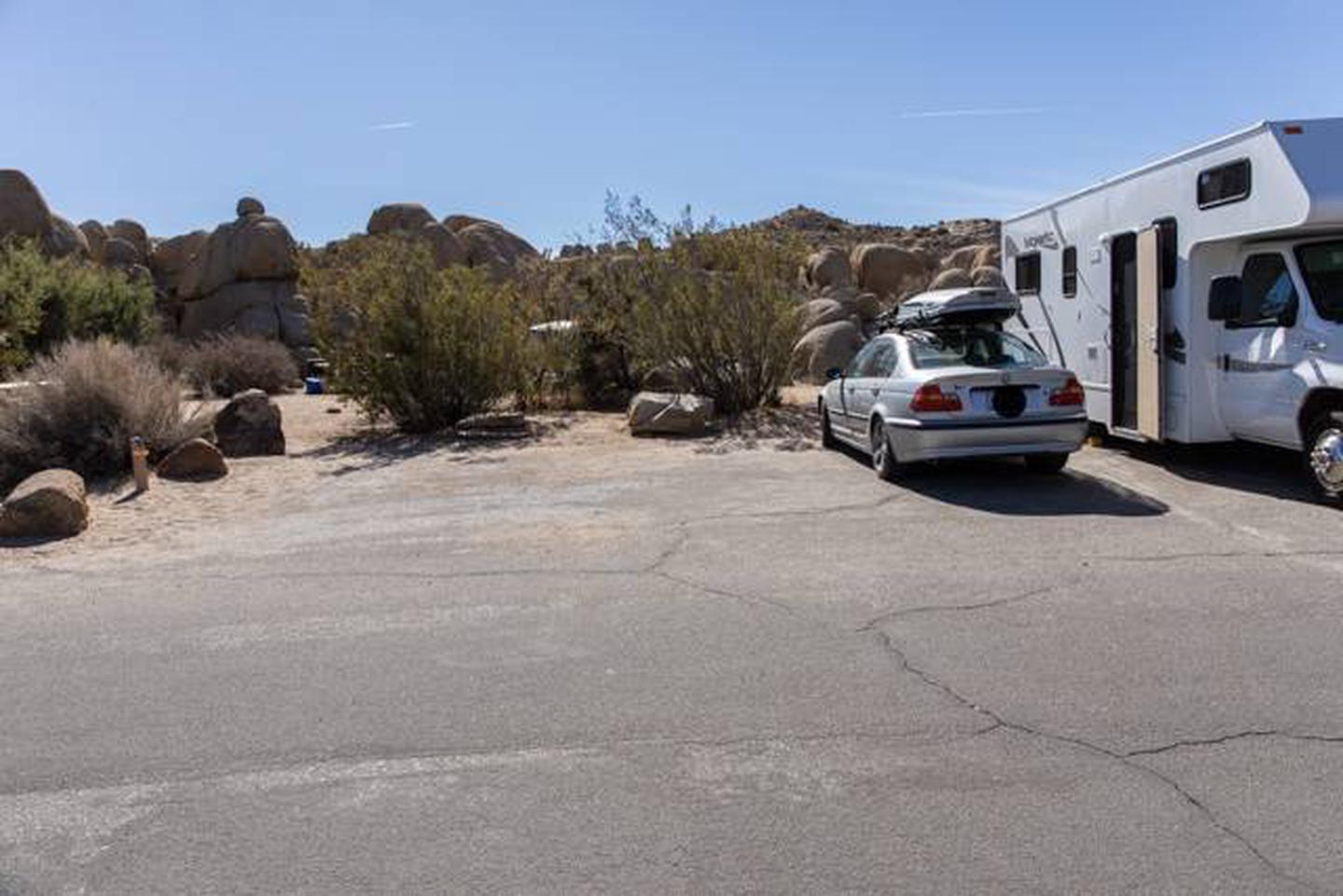 Jumbo Rocks site 66Parking space for campsite