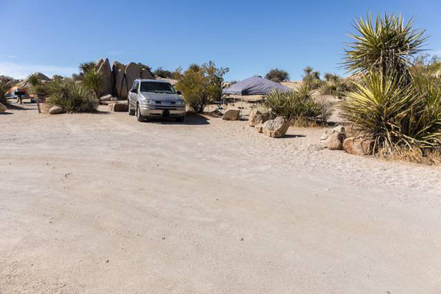 Jumbo Rocks site 72Parking space for campsite
