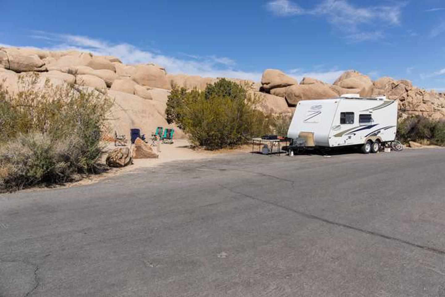 Jumbo Rocks site 80Parking space for campsite