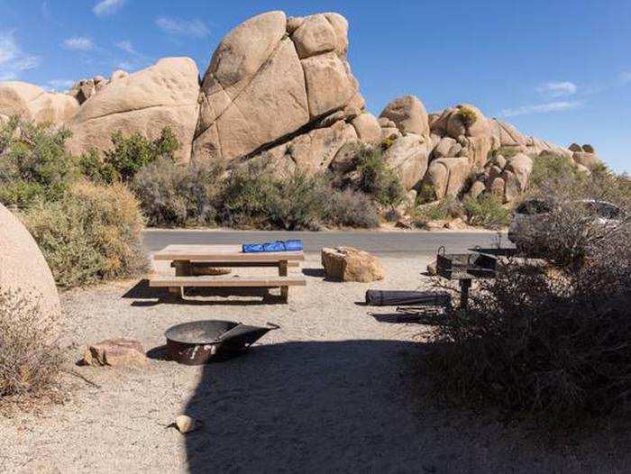 Jumbo Rocks site 91Another view of campsite