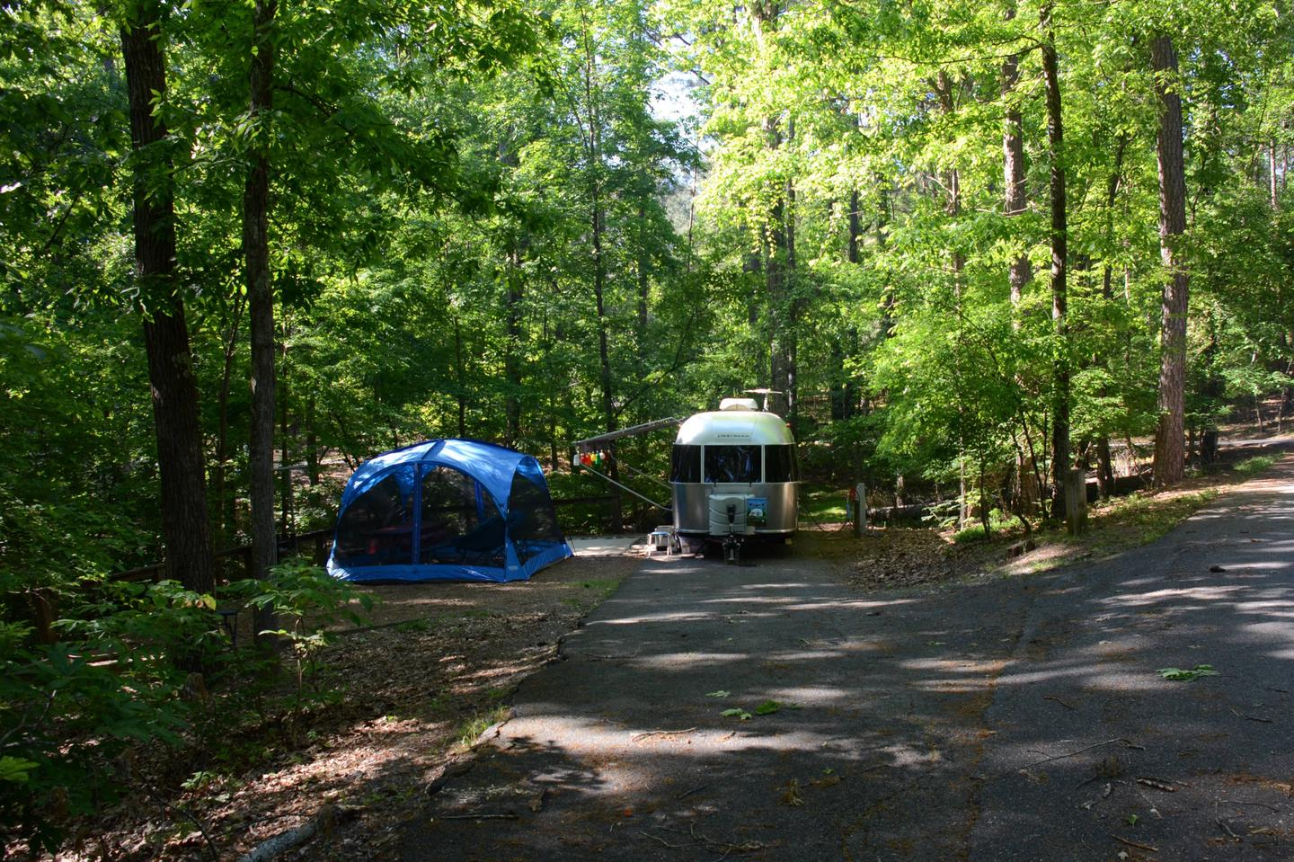 Driveway entrance angle, utilities-side clearance, awning-side clearance.McKinney Campground, campsite 14.