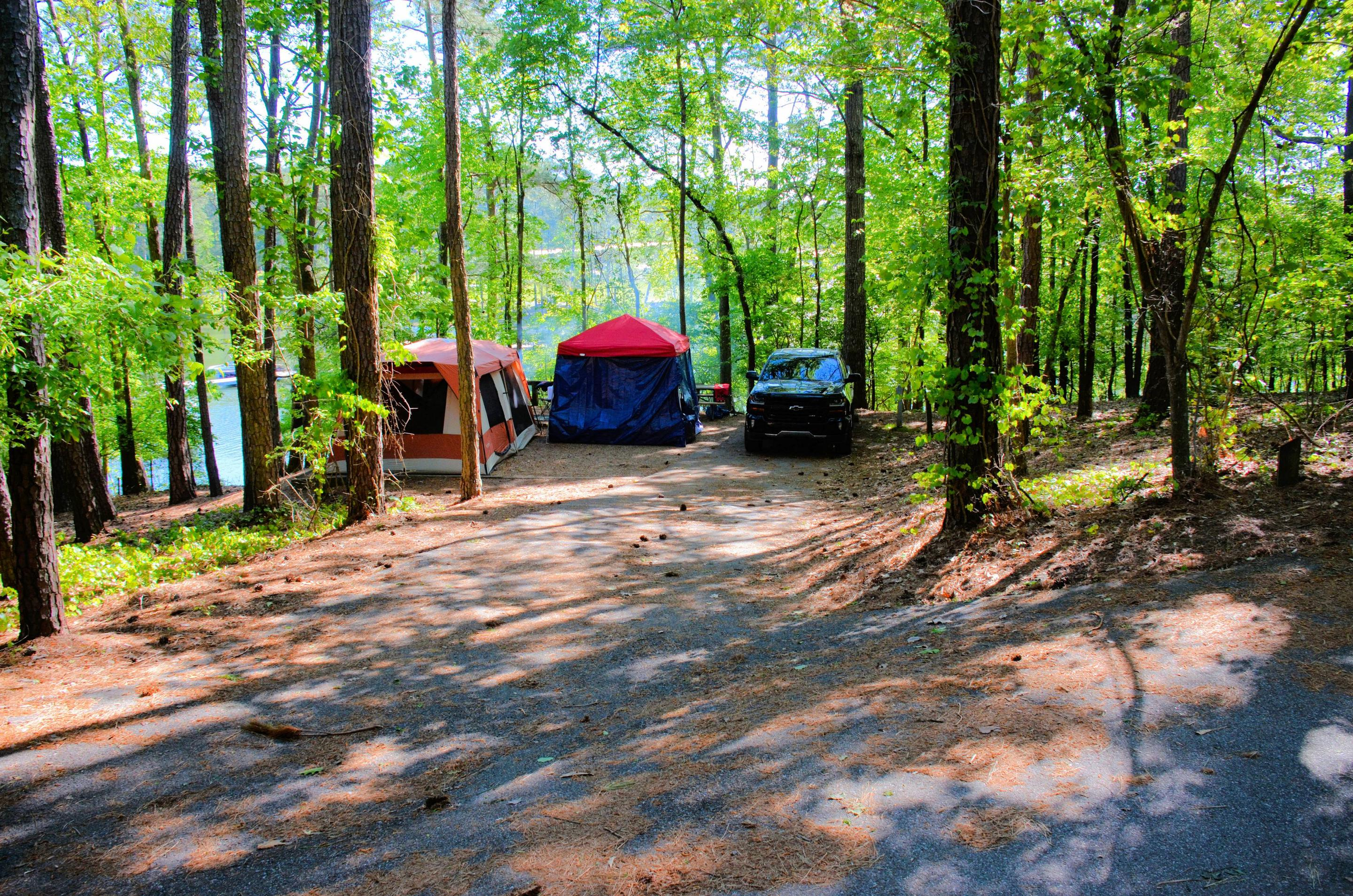 Driveway slope, utilities-side clearance, awning-side clearanceMcKinney Campground, campsite 20.