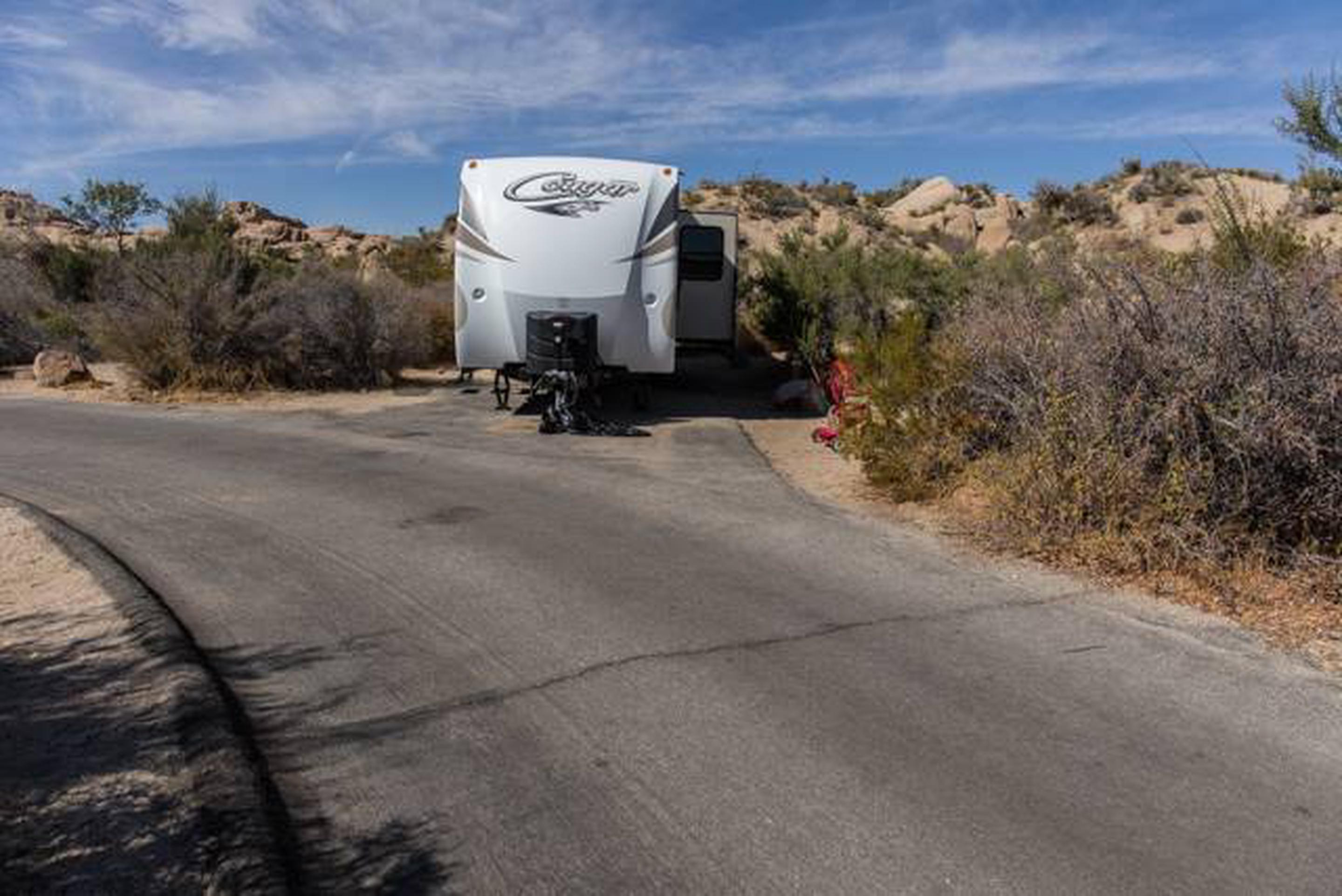 Jumbo Rocks site 97Parking space for campsite