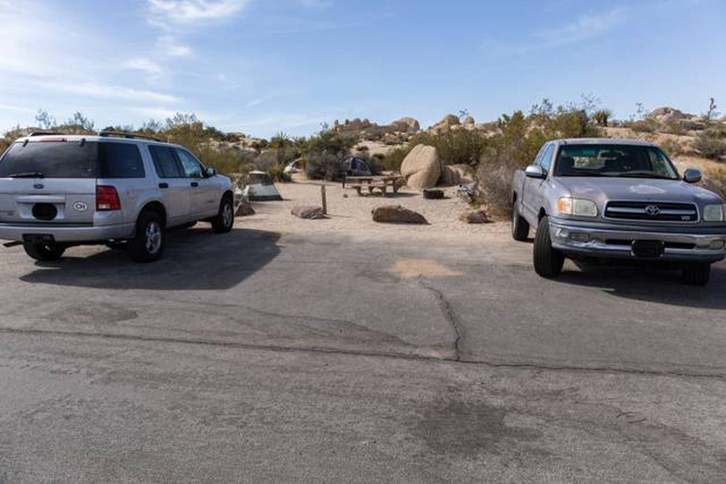Jumbo Rocks site 105Parking space for campsite
