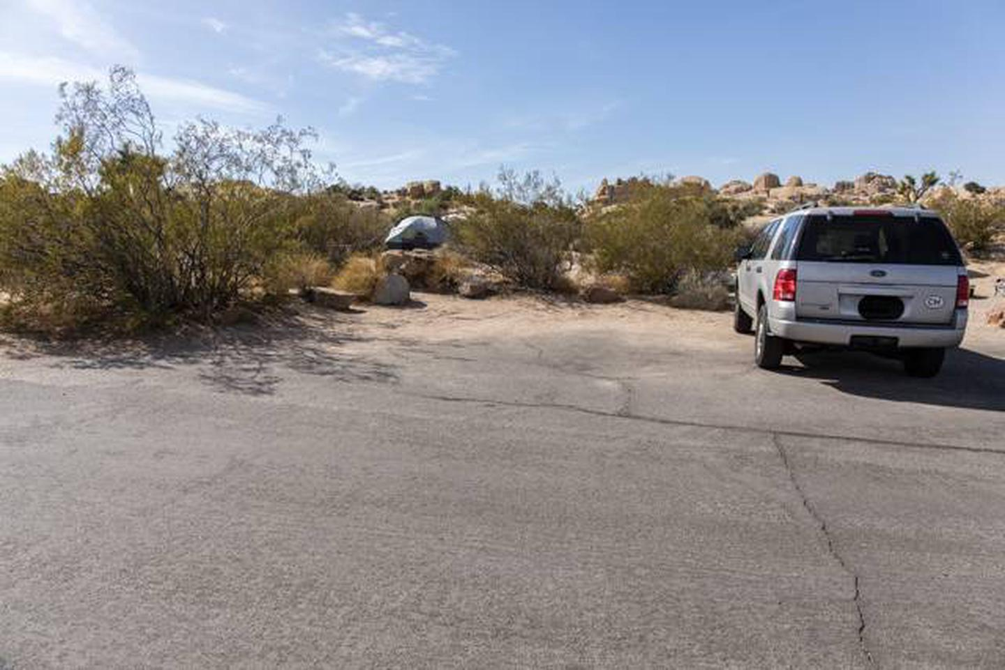 Jumbo Rocks site 107Parking space for campsite