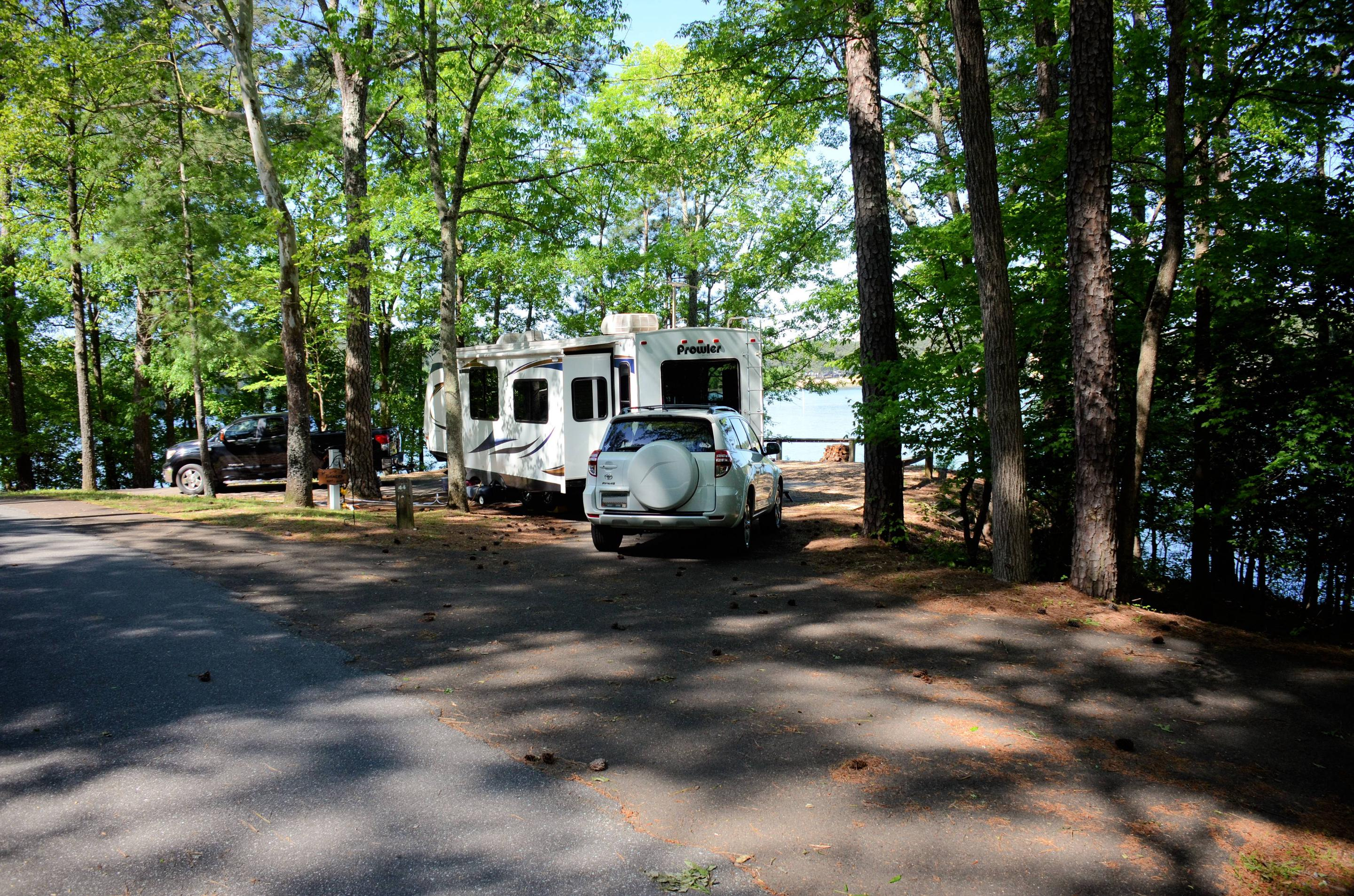 Pull-thru entrance, driveway slope, utilities-side clearance.McKinney Campground, campsite 44.