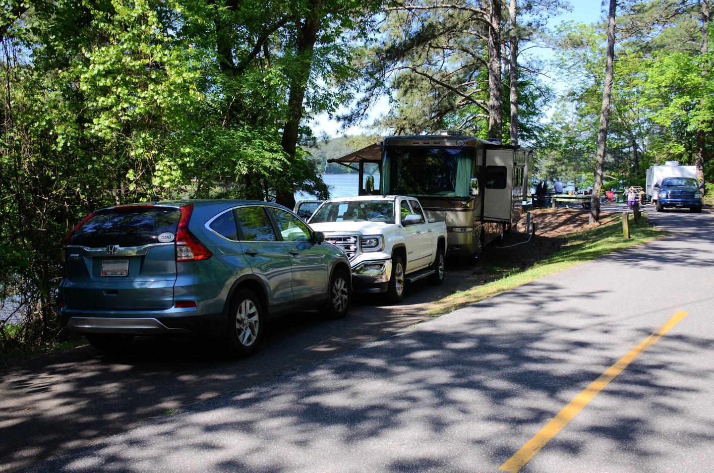 Driveway slope, entrance angle, utilities-side clearance.McKinney Campground, campsite 50.