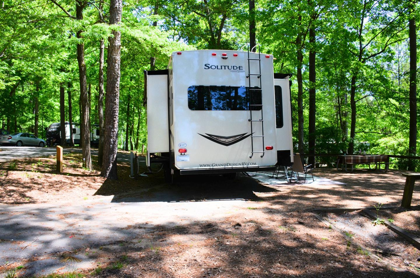 Pull-thru entrance, utilities-side clearance.McKinney Campground, campsite 98.