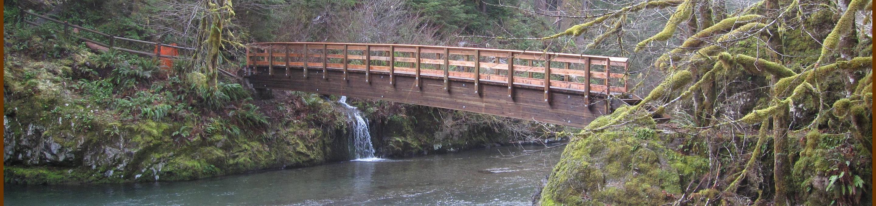 South Santiam RiverBridge from the campground to House Rock Falls.