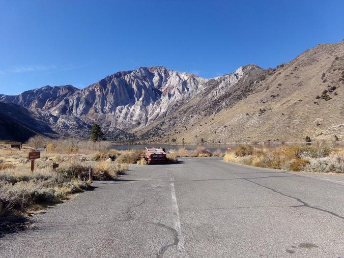 Convict Lake Campground entrance
