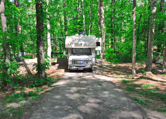 Driveway slope, utilities-side clearance, awning-side clearance.Sweetwater Campground, campsite 6.