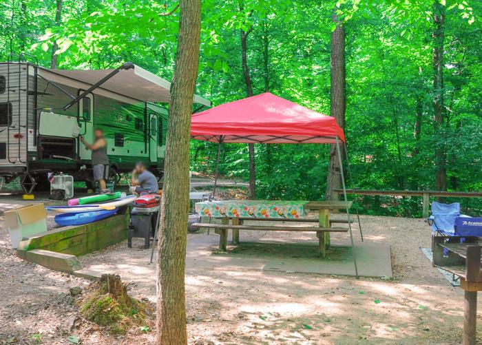 Awning-side clearance, campsite view.Sweetwater Campground, campsite 27.