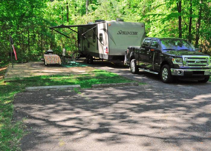 Driveway slope, awning-side clearance.Sweetwater Campground, campsite 29.