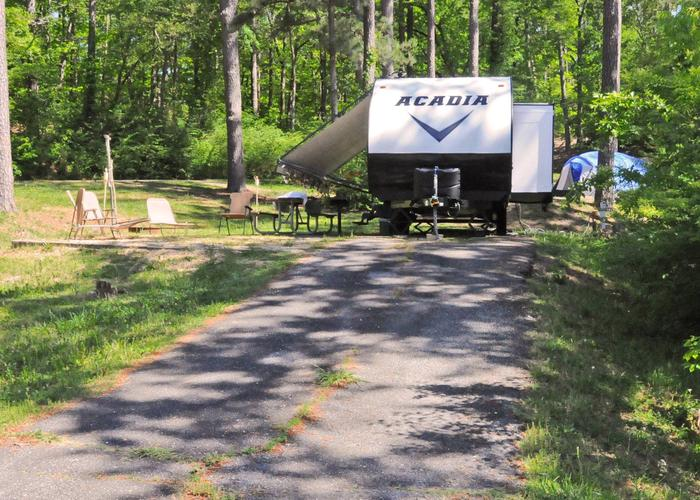 Driveway slope, utilities-side clearance, awning-side clearance.Sweetwater Campground, campsite 32.