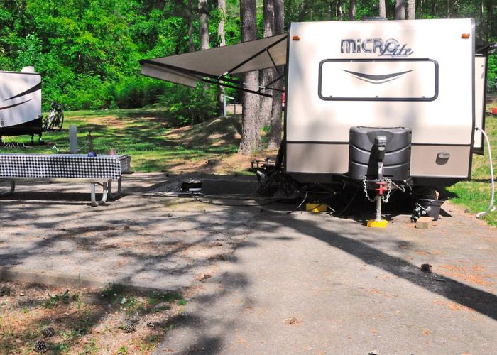 Awning-side clearance.Sweetwater Campground, campsite 33.