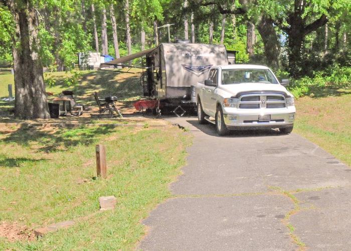 Driveway slope, awning-side clearance.Sweetwater Campground, campsite 39.