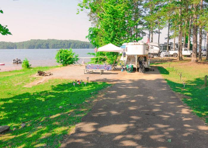 Driveway slope, utilities-side clearance, awning-side clearance.Sweeter Campground, campsite 46.