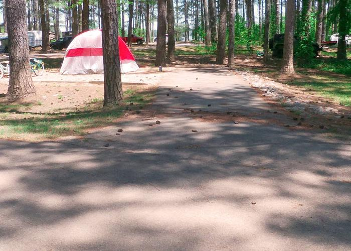 Driveway entrance angle/slope, utilities-side clearance, awning-side clearance.Sweetwater Campground, campsite 57.