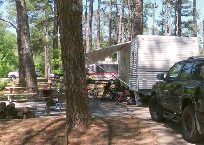 Awning-side clearance.Sweetwater Campground, campsite 59.