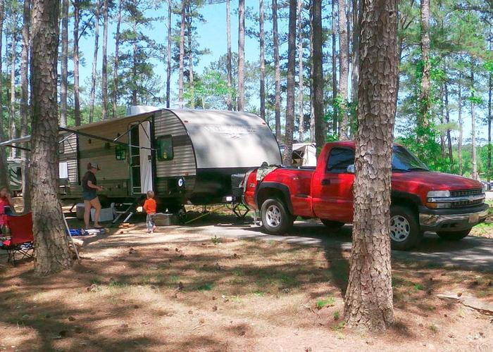 Driveway slope, awning-side clearance.Sweetwater Campground, campsite 60.