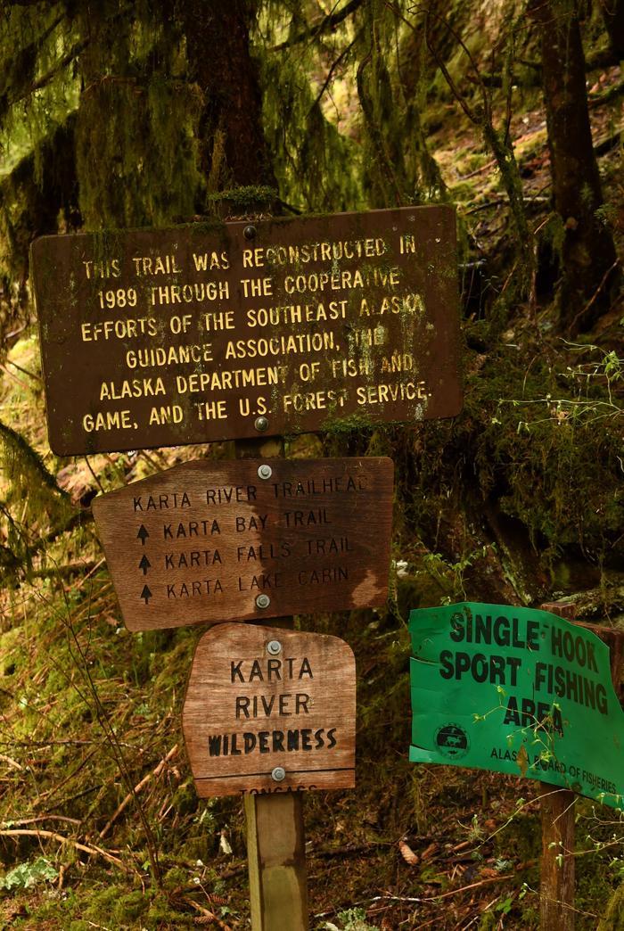 Karta Wilderness TrailOn the trail near the cabin