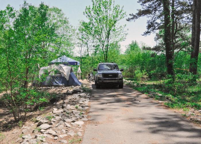 Driveway slope, awning-side clearance.Sweetwater Campground, campsite 72.