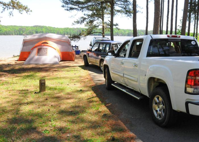 Driveway slope, awning-side clearance.Sweetwater Campground, campsite 89.