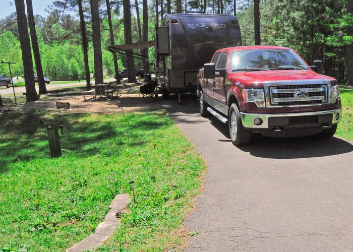 Driveway slope, awning-side clearance.Sweetwater Campground, campsite 91.