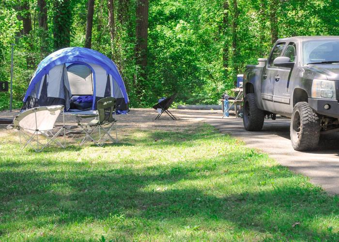 SW098 - Campsite view, awning-side clearance.Sweetwater Campground, campsite 98.