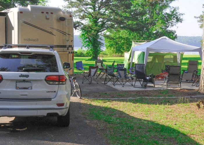 SW106 - Pull-thru entrance, campsite view.Sweetwater Campground, campsite 106.