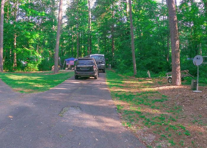 SW121 - Driveway slope, utilities-side clearance.Sweetwater Campground, campsite 121.