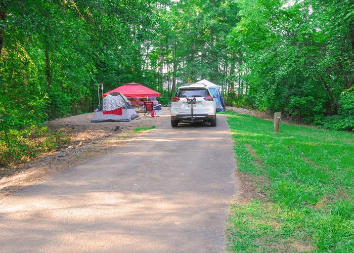 SW128 - Driveway slope, utilities-side clearance, awning-side clearance.Sweetwater Campground, campsite 128