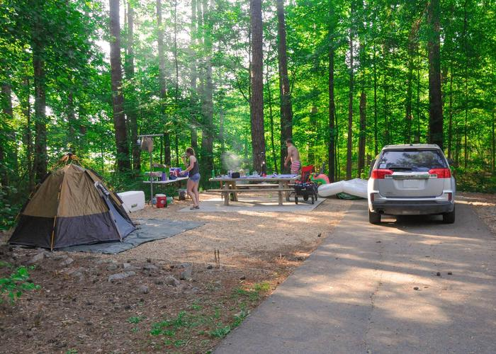 SW130 - Driveway slope, awning-side clearance.Sweetwater Campground, campsite 130.
