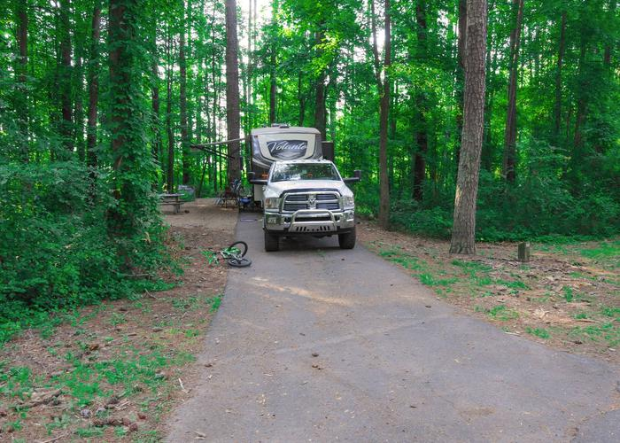 SW132 - Driveway slope, awning-side clearance.Sweetwater Campground, campsite 132.