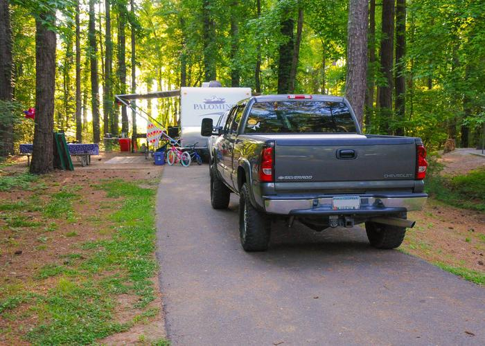 SW135 - Driveway slope, awning-side clearance.Sweetwater Campground, campsite 135.