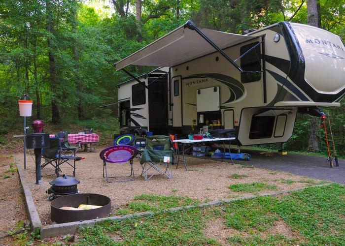 SW137 - Campsite view, awning-side clearance.Sweetwater Campground, campsite 137.
