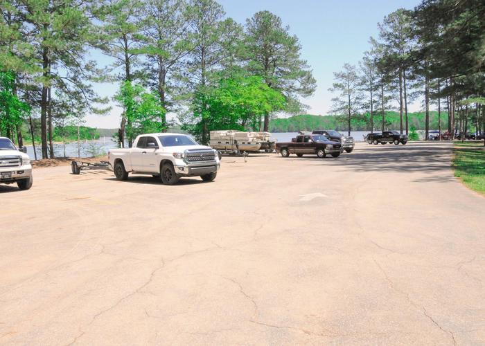 SWXX5 - Boat ramp parking.Sweetwater Campground boat ramp parking.