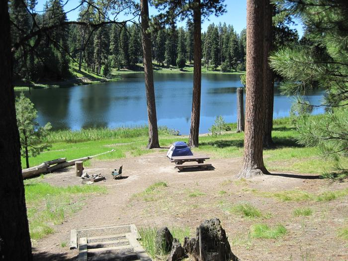 Options to tent camp near the lake Tent camping near the lake is popular