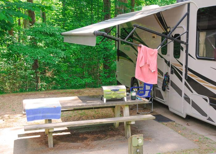 Awning-side clearance.McKaskey Creek Campground, campsite 9.
