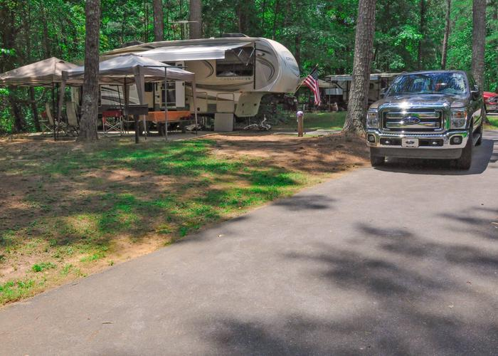 Awning-side clearance.McKaskey Creek Campground, campsite 21.